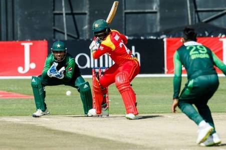 Pakistan beat Zimbabwe by 11 runs in first T20