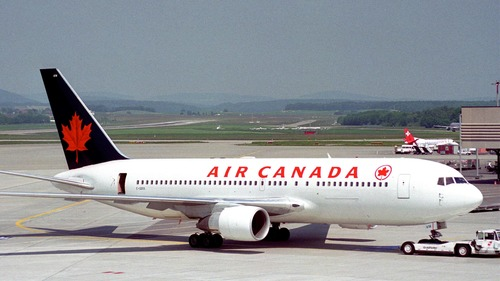 Canada to suspend passenger flights from India, Pakistan over COVID-19 fears