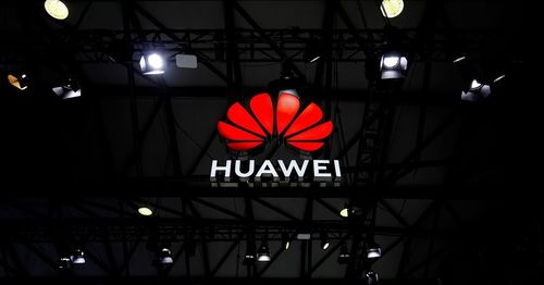 Huawei smartphone shipments in China plunge by half in Q1
