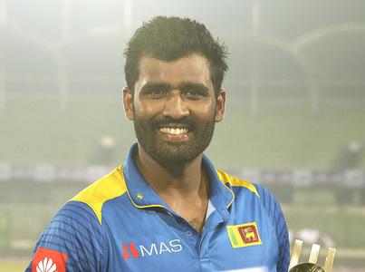 Sri Lanka's Thisara Perera quits international cricket