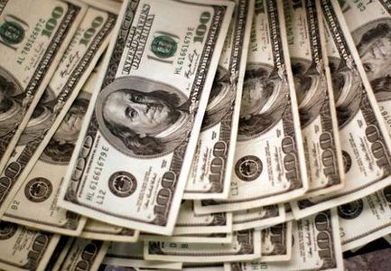Dollar in doldrums as traders ponder Fed policy path; sterling soars