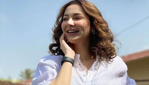 Hania Amir points out hypocrisy of people in a note after 'horrifying experience' online