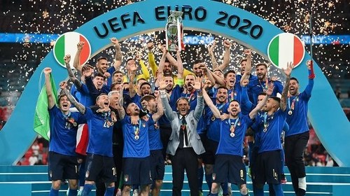 Italy players insisted on open bus tour after Euro 2020 triumph despite COVID risk