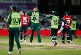 Resurgent Pakistan beat England by 31 runs in T20 run fest