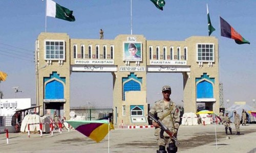 Taliban close border crossing with Pakistan, call for visa-free travel for Afghans