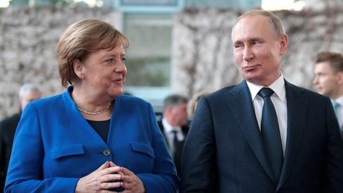 جب جرمن چانسلر کو روسی صدر کے سامنے خفت اٹھانی پڑی