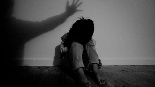 مدرسےکی طالبہ کے ساتھ ریپ اور تشدد کا معاملہ، مقدمہ درج