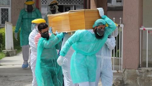 پاکستان میں کوروناکےحملے تیز،ریکارڈ 141 اموات،4,199 نئے کیسز رپورٹ