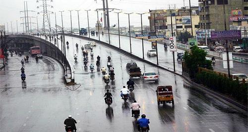 کراچی کے مختلف علاقوں میں ہلکی اور تیز بارش کا سلسلہ جاری