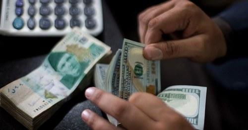 ڈالر کی قدر میں مسلسل اضافے سے تاجر اور صنعتکار پریشان