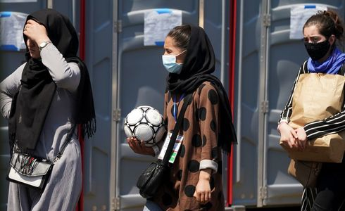 Afghan female youth footballers, who escaped to Pakistan, to seek asylum