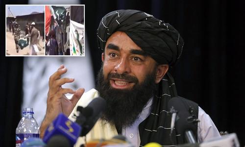 پاکستانی پرچم کی بے حرمتی پر طالبان قیادت برہم۔۔۔