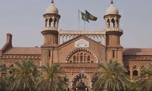لاہور ہائیکورٹ: ایکسپائر اسٹنٹ کیخلاف درخواست، فریقین سے دلائل طلب