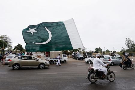 Pakistan records drop in Covid deaths for third consecutive day