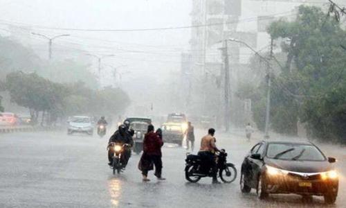 سندھ میں طوفان 'گلاب' کے اثرات ظاہر ہونے لگے