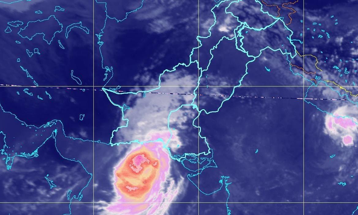 Chances of heavy rain, urban flooding decrease in Karachi