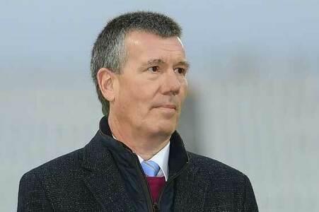 England cricket chairman steps down after Pakistan criticism