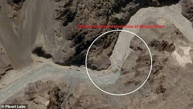 دریائے گیلوان پر موجود چینی بلڈوزرز کی سیٹلائٹ تصویر