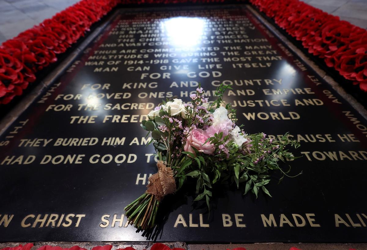 Britain's Princess Beatrice's wedding bouquet is seen traditionally placed on the Tomb of the Unknown Warrior in Westminster Abbey in London, Britain July 17, 2020. Yui Mok/Pool via REUTERS