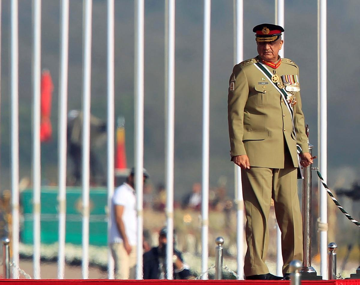FILE PHOTO: Pakistan's Army Chief of Staff General Qamar Javed Bajwa arrives to attend the Pakistan Day military parade in Islamabad, Pakistan, March 23, 2017. REUTERS
