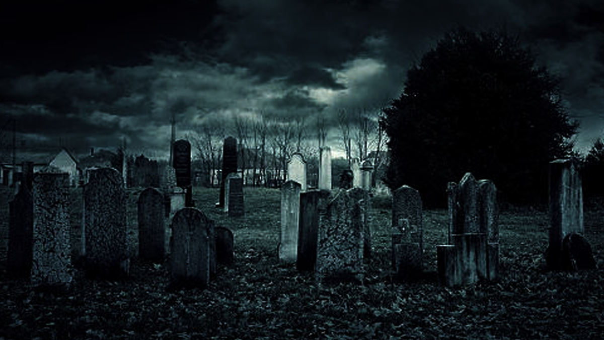 انڈے والا قبرستان۔۔۔