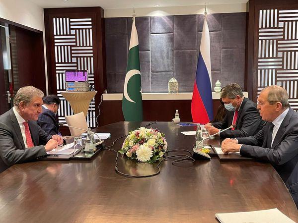 FM Qureshi, Lavrov discuss regional, global issues