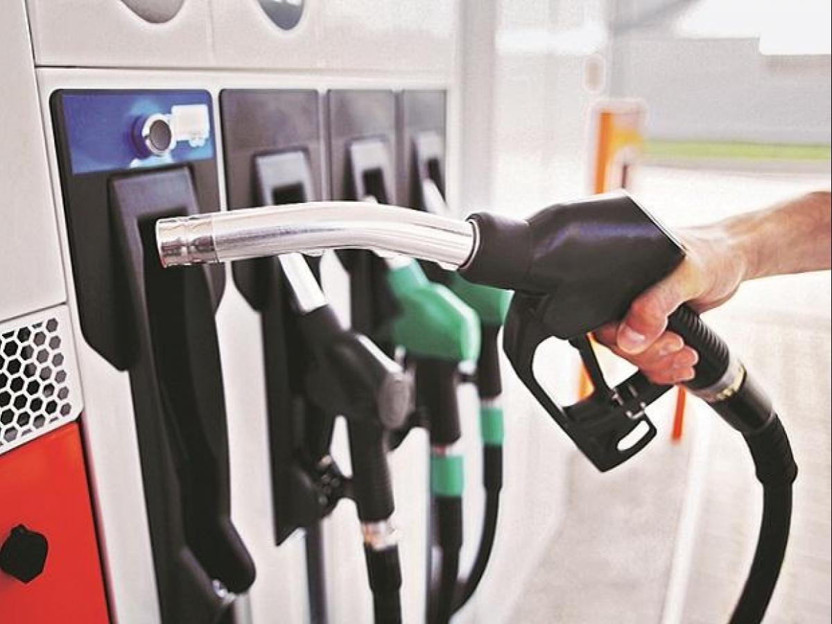Govt increases prices of all petroleum products again after 15 days