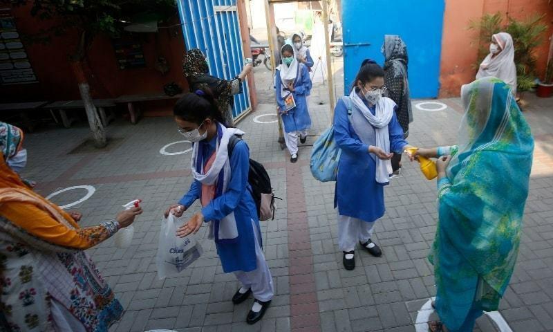 ملک بھر میں آج سے تمام تعلیمی ادارے 100 فیصد حاضری کے ساتھ کھل گئے