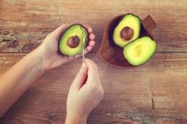 خواتین کیلئے ایواکاڈو ایک معجزاتی پھل، پیٹ کی چربی کا آسان حل