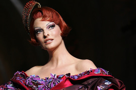 Linda Evangelista says fat freezing made her a recluse.