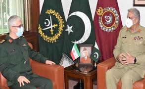 آرمی چیف جنرل قمر باجوہ سے  ایرانی چیف آف جنرل اسٹاف کی ملاقات