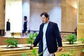 """PM Imran assures PTI committee DG ISI appointment issue """"settled"""""""